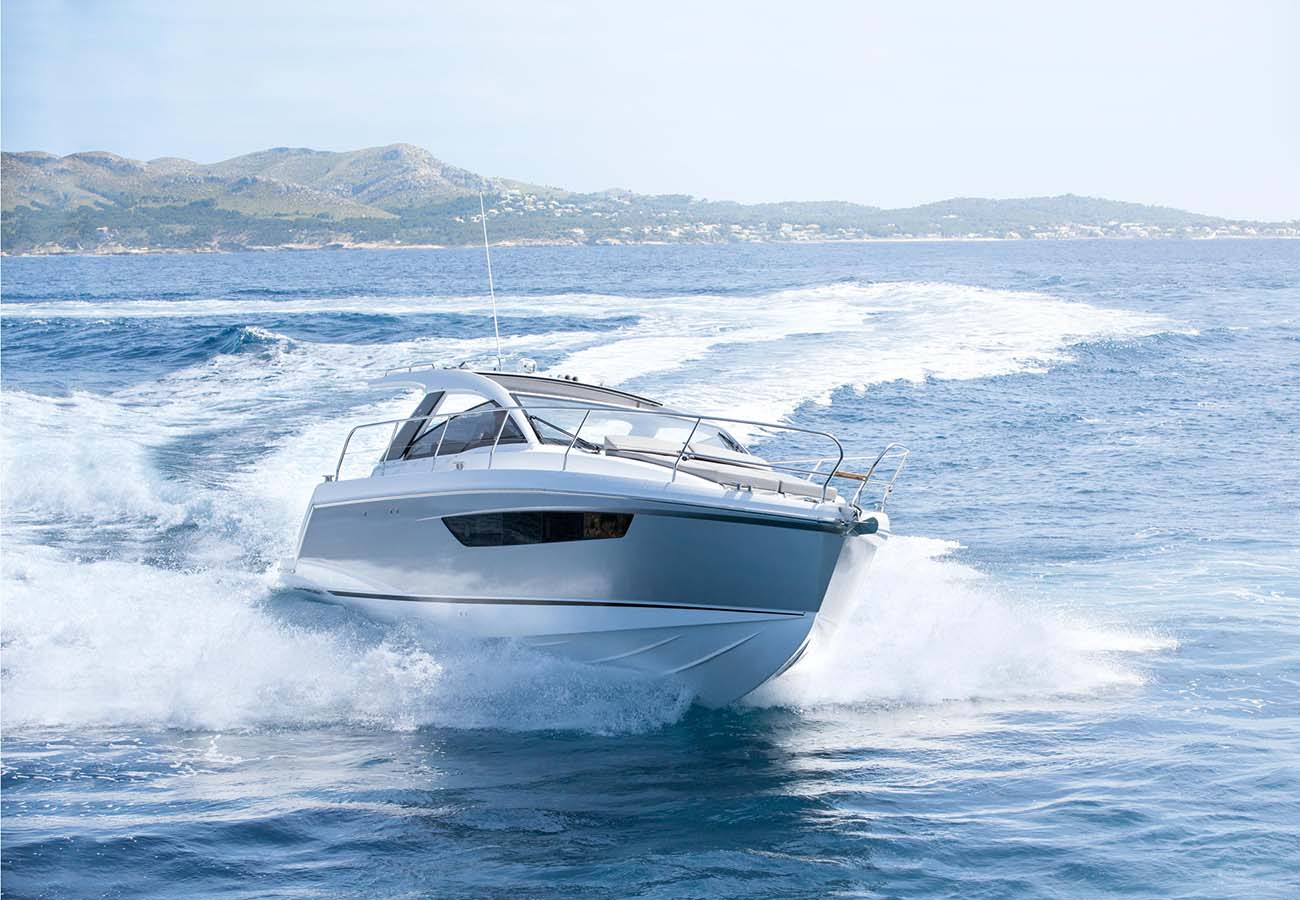 location bateau Sealine S330