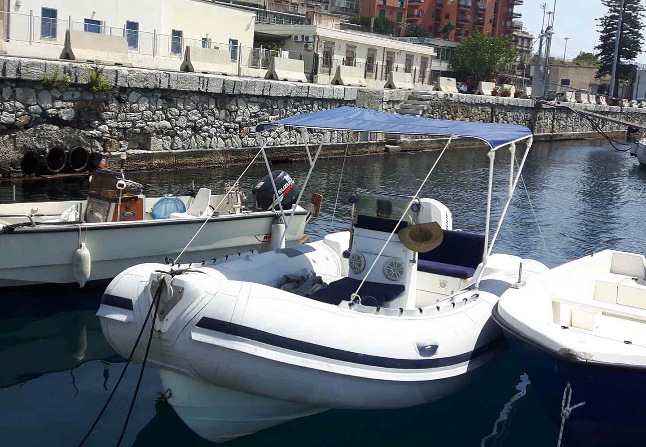 location bateau Predator 590