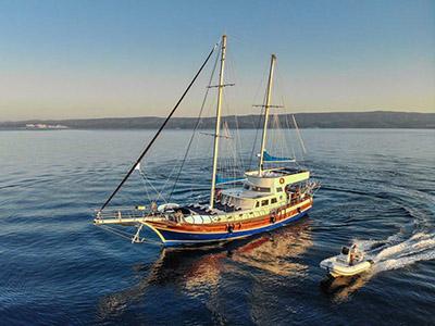 location bateau Saint Luca