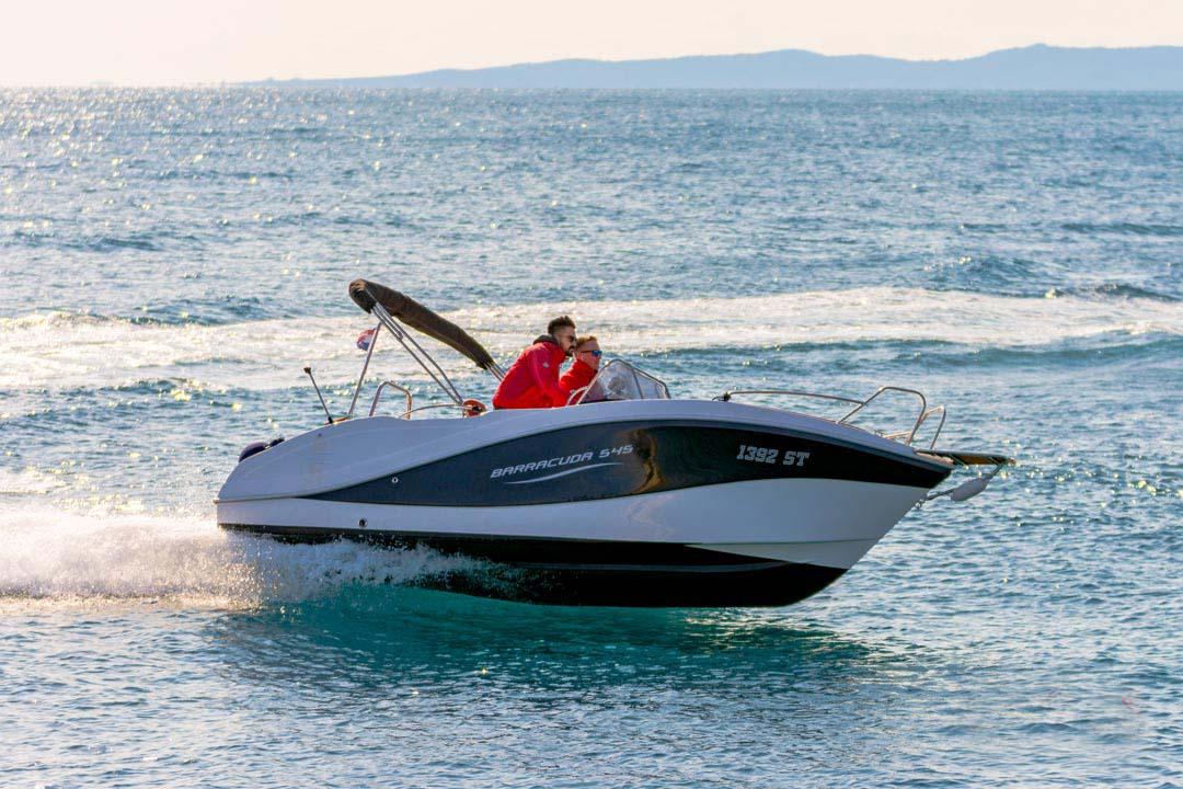 location bateau Barracuda 545
