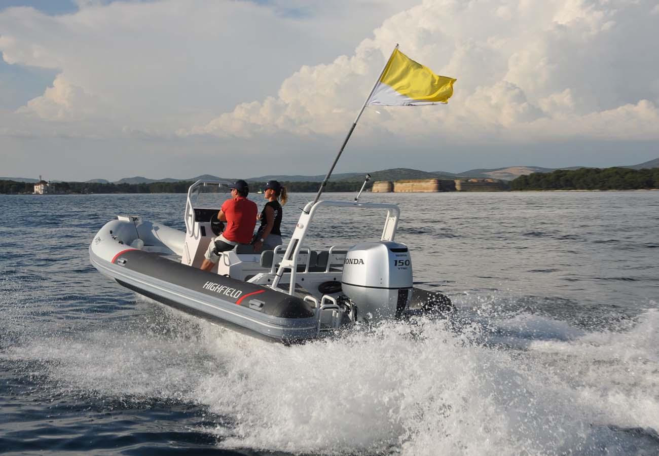 location bateau Highfield 640 DL