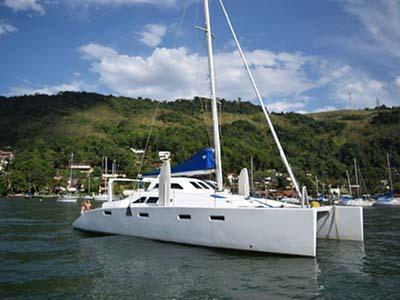 location bateau Farrier 44