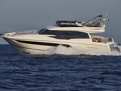 location bateau Prestige 590