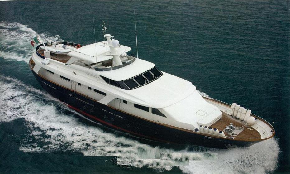location bateau Benetti SD 105