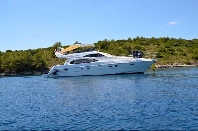 location bateau Azimut 58