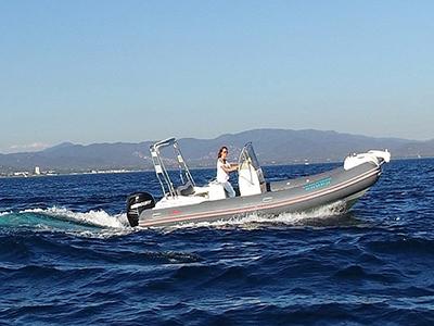 location bateau Nuova Jolly 700