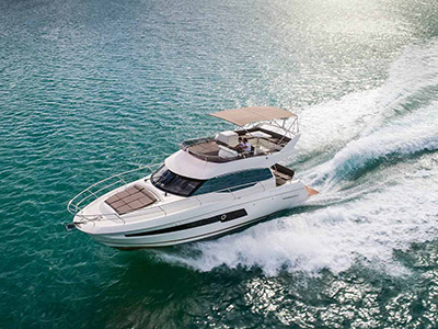 location bateau Prestige 460 Fly