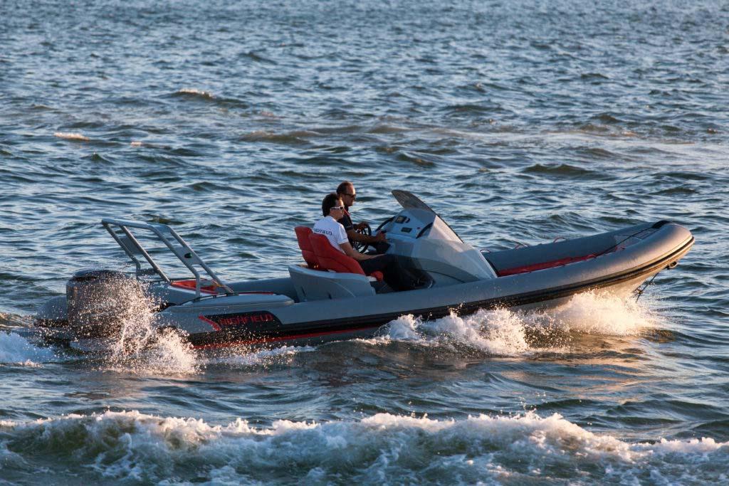location bateau Highfield Sport 760