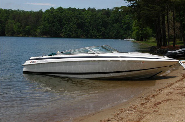 location bateau Cobalt 253