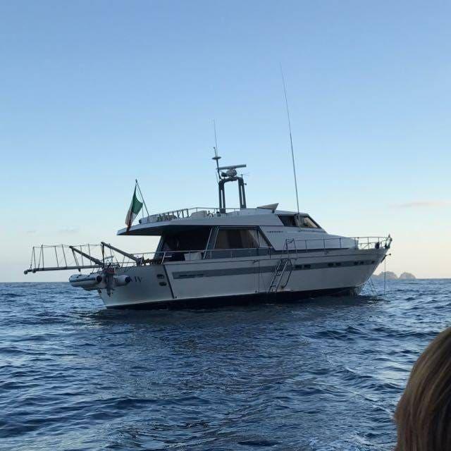 location bateau Akhir