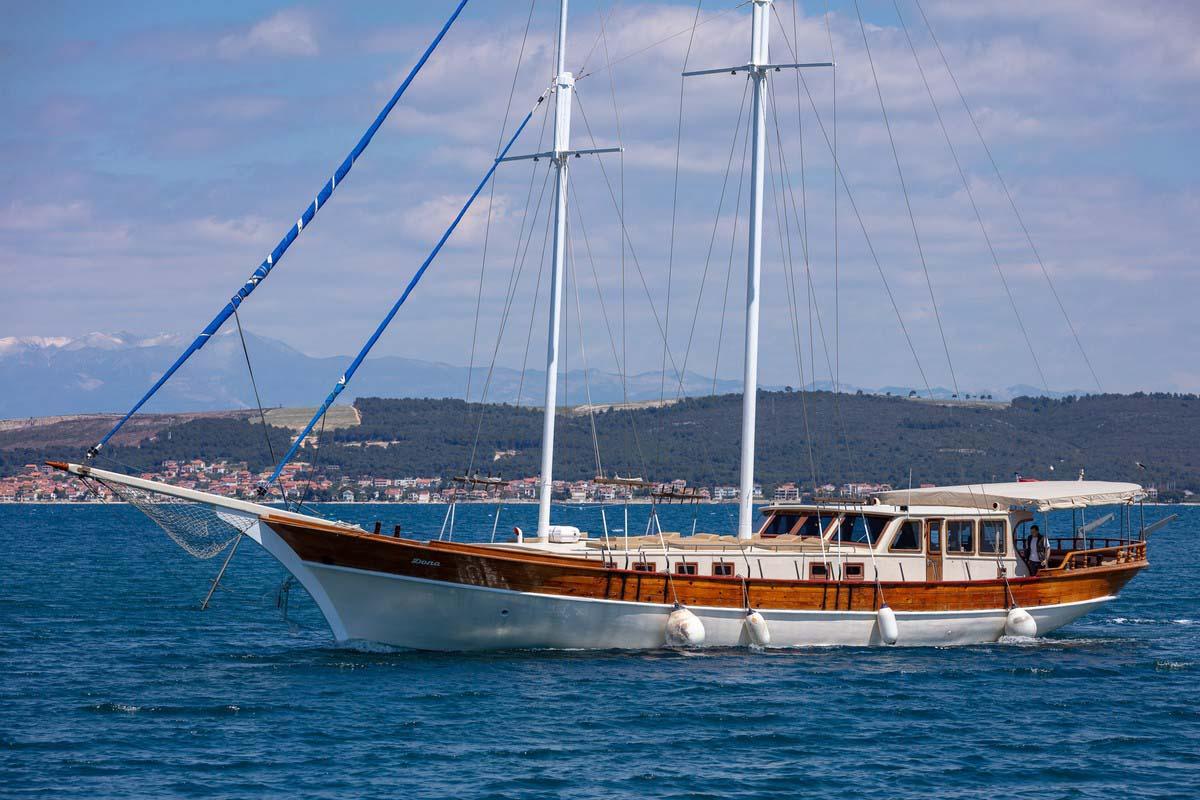 location bateau Dona