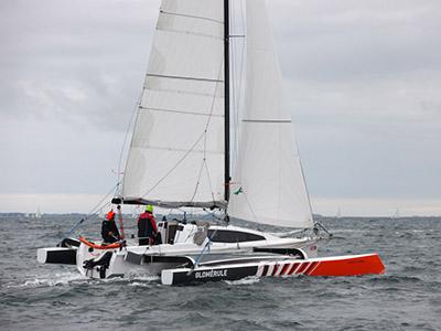 location bateau Tricat 30