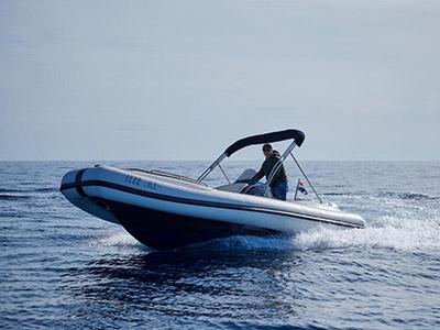 location bateau Ris Marine Exclusive 650