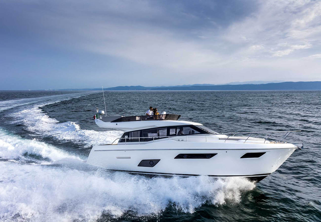 location bateau Ferretti 450