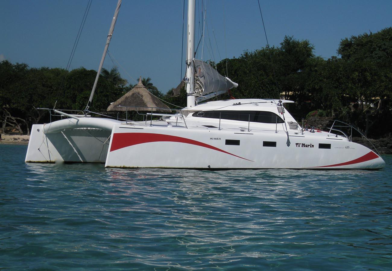 location bateau Legend 435