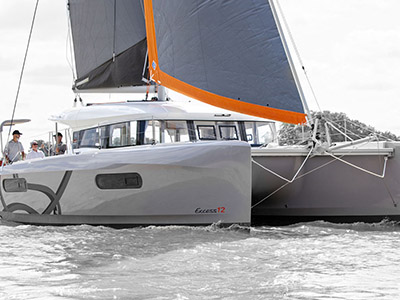 location bateau Excess 12