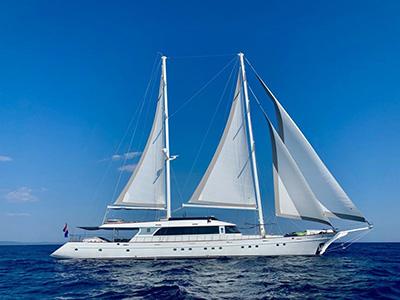 location bateau Lady Gita