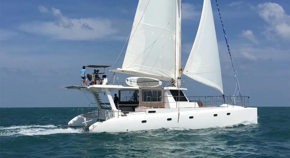 location bateau Ceycat 53