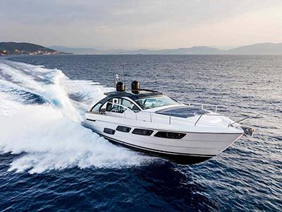 location bateau Pershing 5X