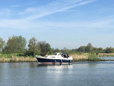 location bateau Courtevenne 830 AK