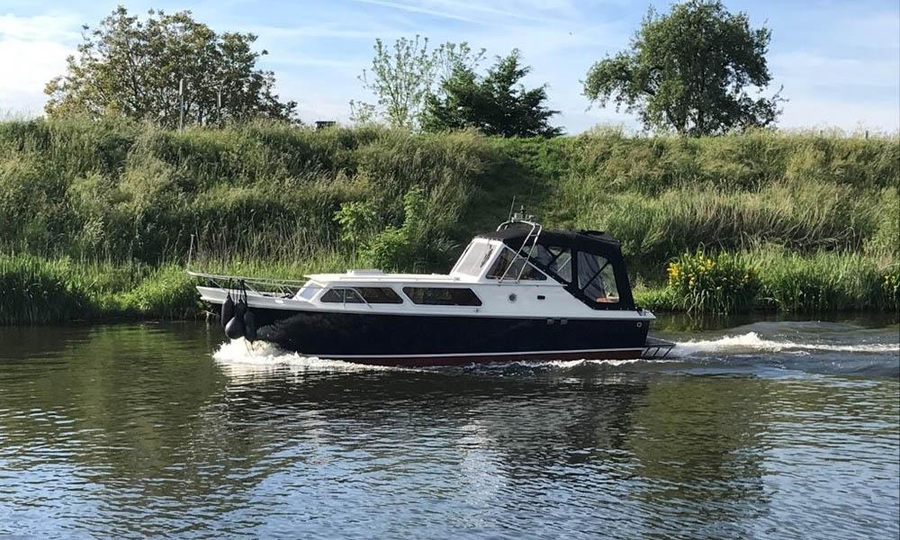location bateau Valkkruiser Sport 850