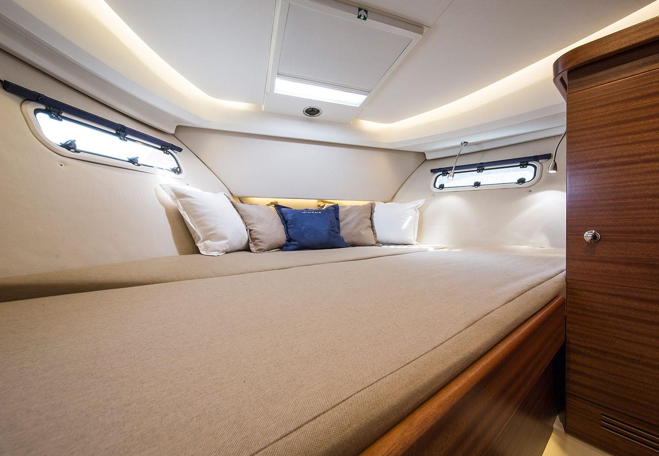 interno Nimbus 305 Coupe