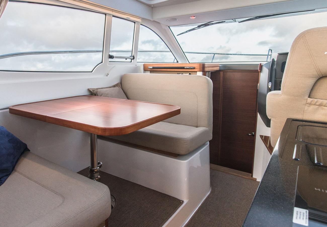 intérieur Nimbus 305 Coupe
