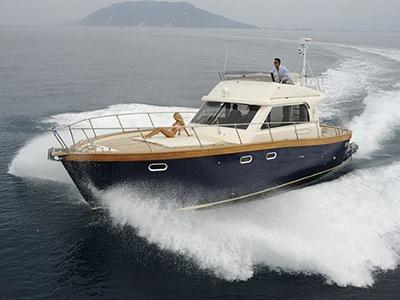 location bateau Patrone Moreno 42 Fly