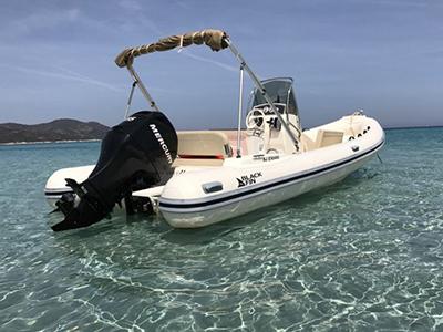 location bateau Black Fin 624