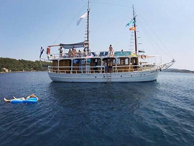 location bateau Sv. Roko