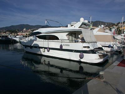 location bateau Benetti 72
