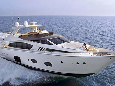 location bateau Ferretti 800
