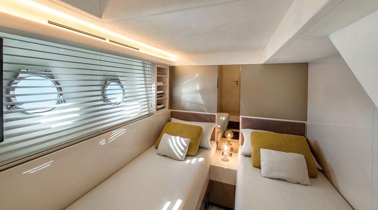 interno Monte Carlo Yacht 66