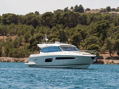location bateau Prestige 550 S