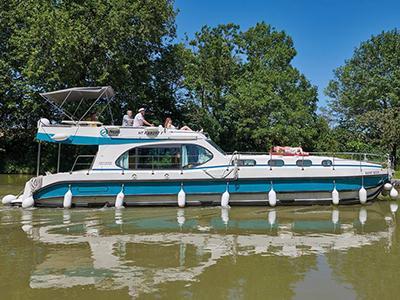 location bateau Sixto Fly C
