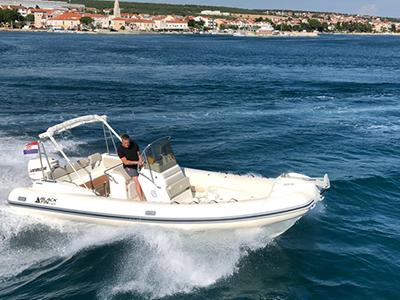 location bateau Black Fin 23 Elegance
