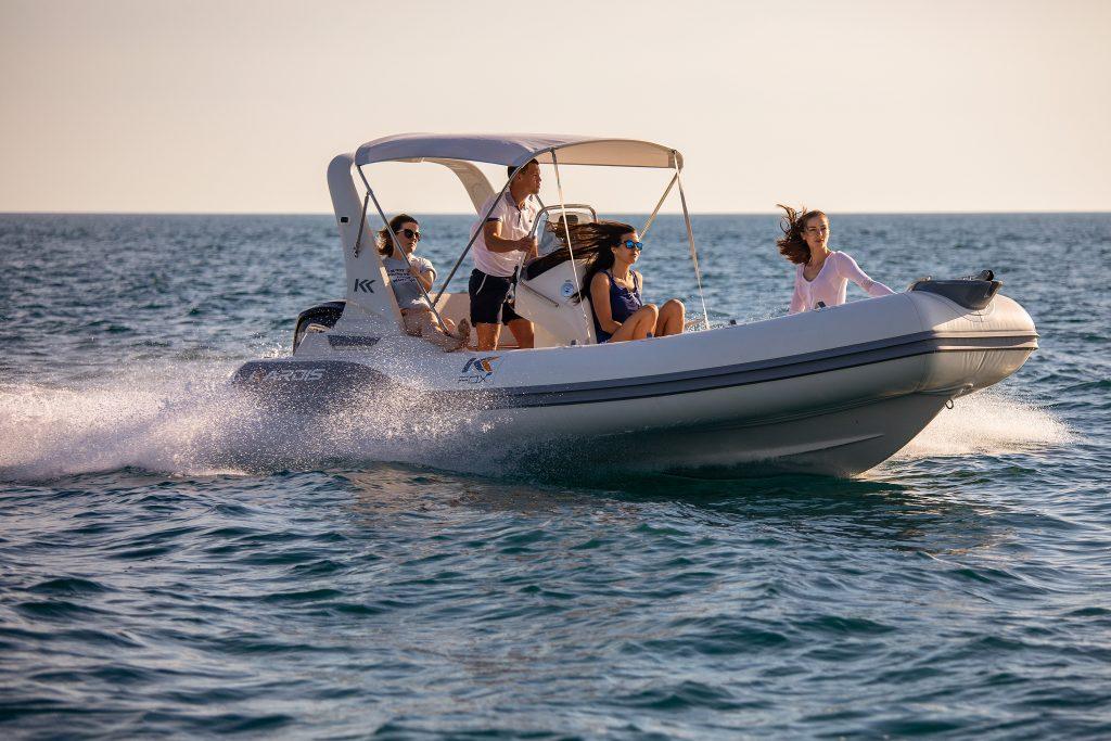 location bateau KARDIS FOX 5.70