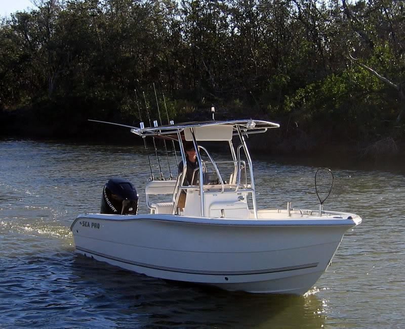 location bateau SEA PRO 220CC