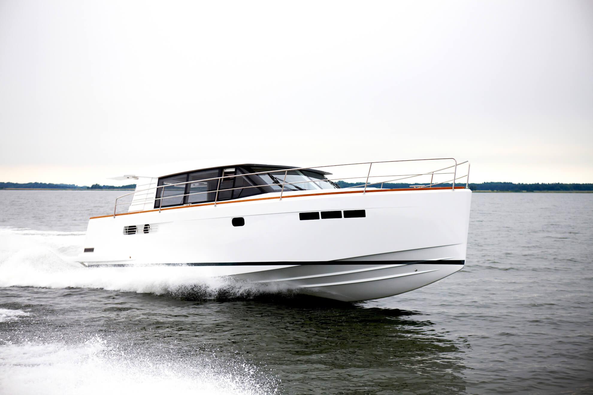 outside Fjord 40 Cruiser