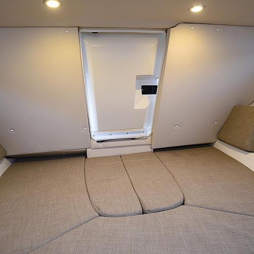 inside Bayliner VR5