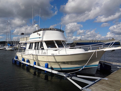 location bateau Mainship 390 Trawler