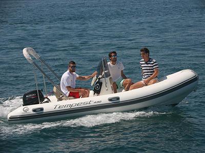 location bateau Capelli Tempest 430