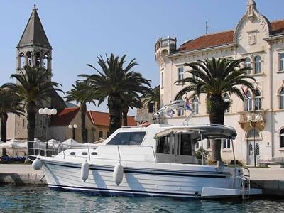 location bateau Adria 1002