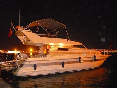 location bateau Astondoa 45