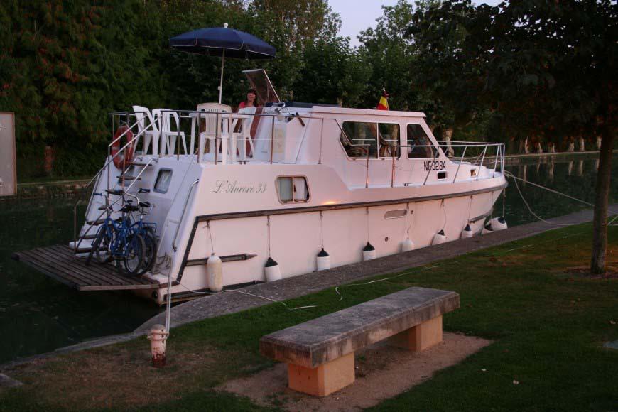 location bateau Aurore 33
