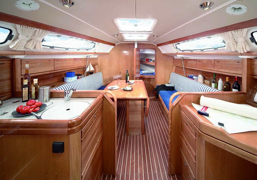 interno Bavaria 31 Cruiser