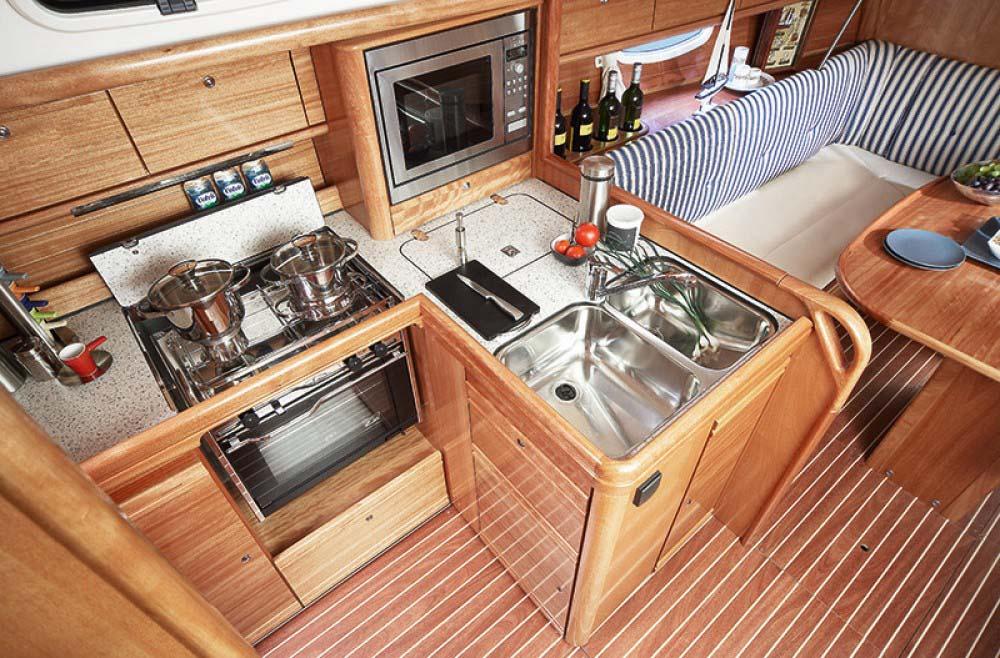 innen Bavaria 34 Cruiser