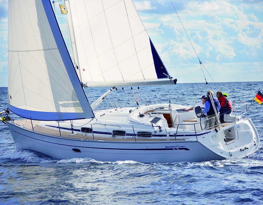 esterno Bavaria 37 Cruiser