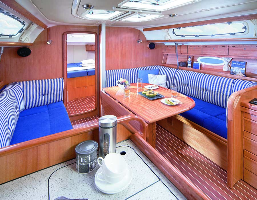 interno Bavaria 38 Cruiser