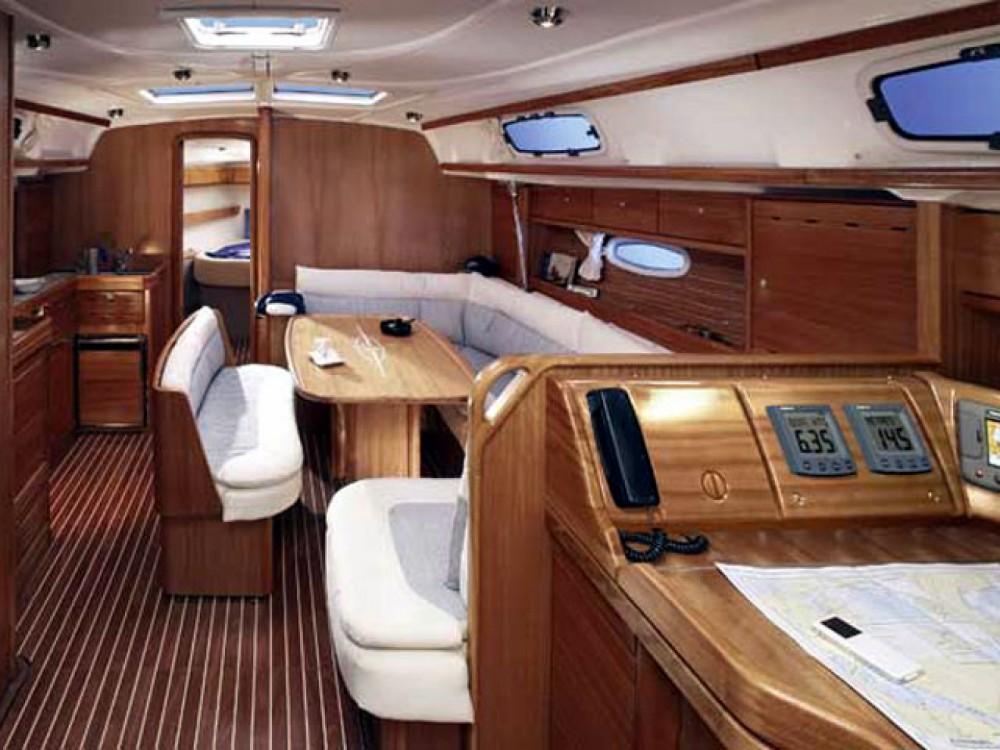 innen Bavaria 42 Cruiser